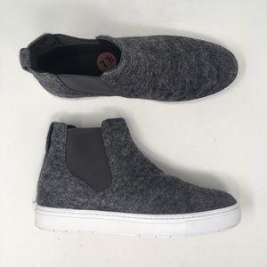 Vince Women's Sz 7.5 Newlyn Grey Wool Shoe